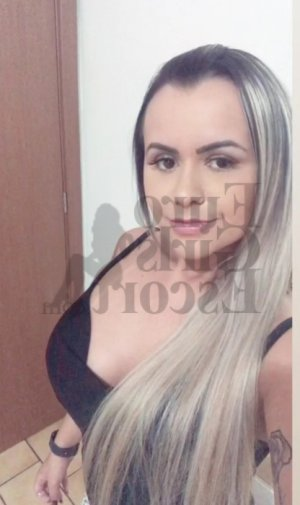 Ilaya escort girl