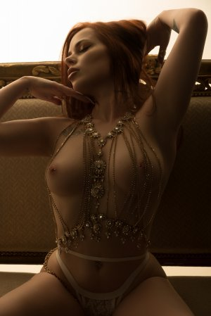 Camille-marie call girl & tantra massage