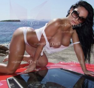 Amalya escorts in Delray Beach & erotic massage