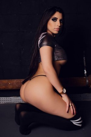 Fatirah escort girls in Raleigh North Carolina & erotic massage