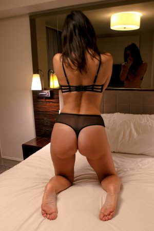 Symphonie tantra massage in Endicott