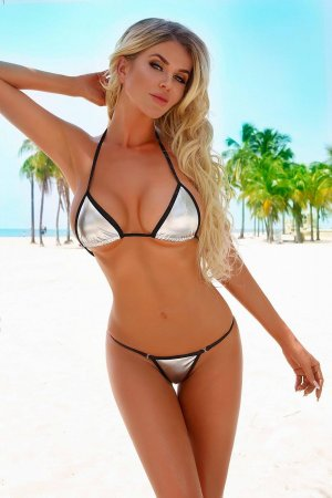 Kheyra happy ending massage in Berlin New Hampshire, live escorts